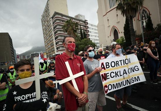 مظاهرات تندد بأعمال القتل والعنف فى جنوب افريقيا (7)