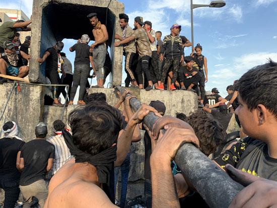 اندلاع مظاهرات جديدة وأعمال عنف بالعراق (2)