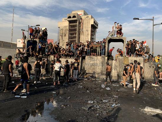 اندلاع مظاهرات جديدة وأعمال عنف بالعراق (4)