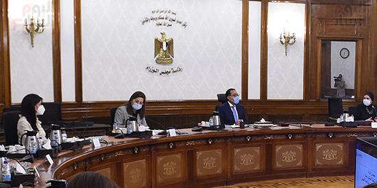 رئيس الوزراء يجتمع بمجلس ادارة جهاز تنمية المشروعات المتوسطة والصغيرة (5)