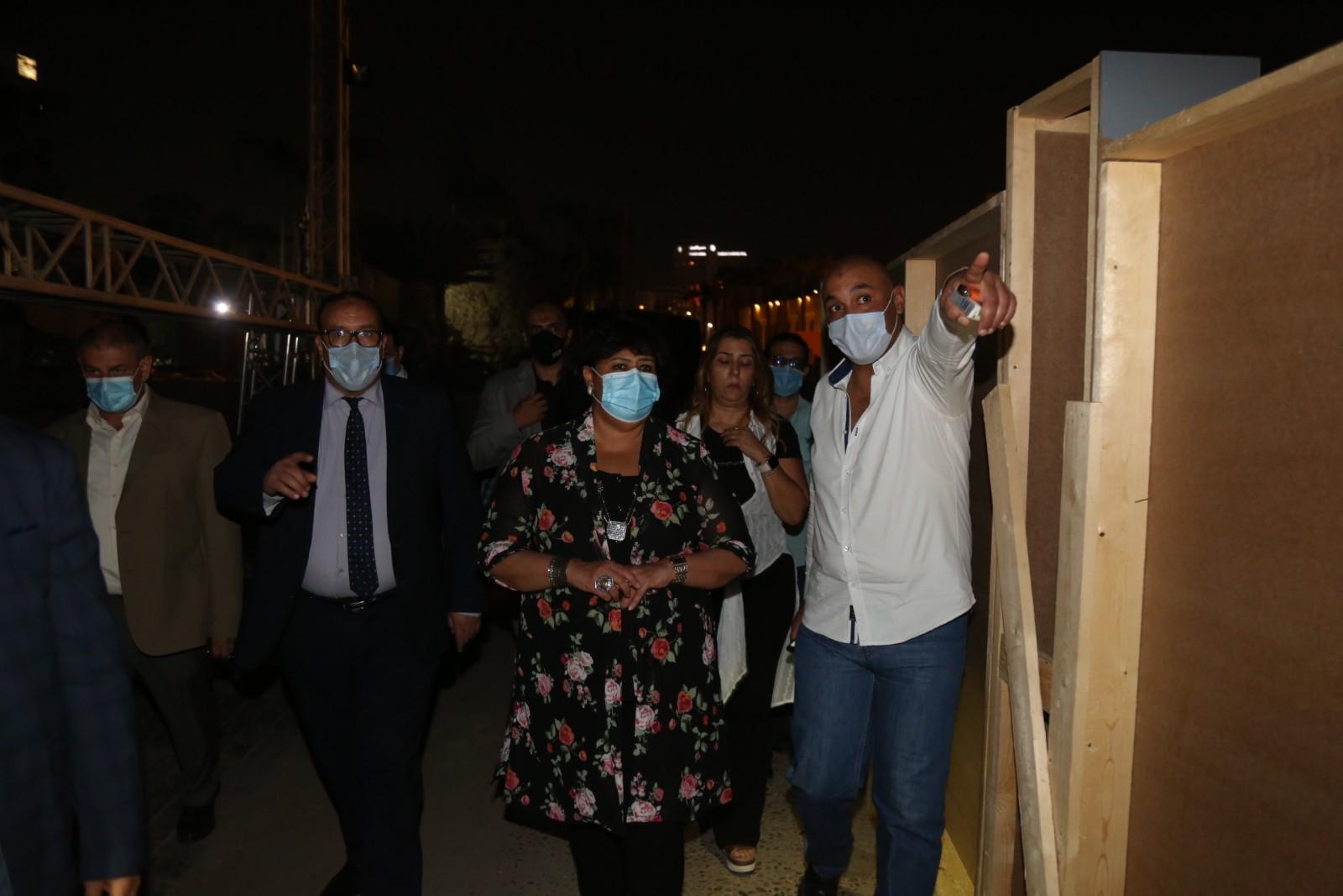 محمد منير المستشار الإعلامى لوزيرة الثقافة مع الدكتورة إيناس عبد الدايم والدكتور مجدى صابر