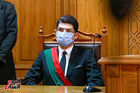 محاكمه (2)