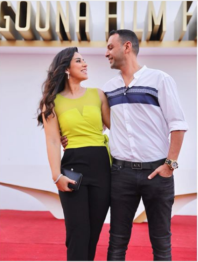 ايتن عامر مع زوجها
