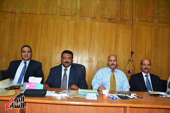 اللجنة-العامة-بإسنا-خلال-اعلان-النتائج-(1)