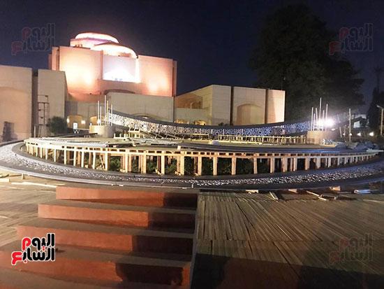 57213-وزيرة-الثقافة-تتفقد-مسرح-النافورة-الجديد--(8)