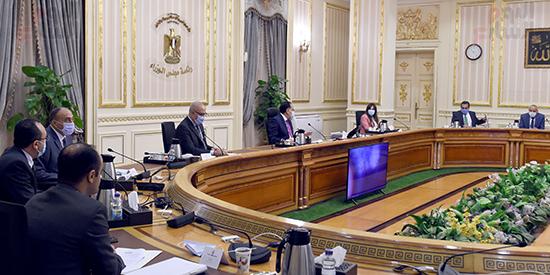 اجتماع متابعة ملفات عمل وزارة الإسكان (14)