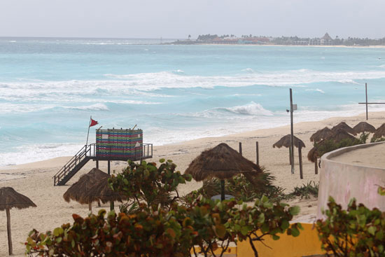 الشواطئ تستعد للعاصفة