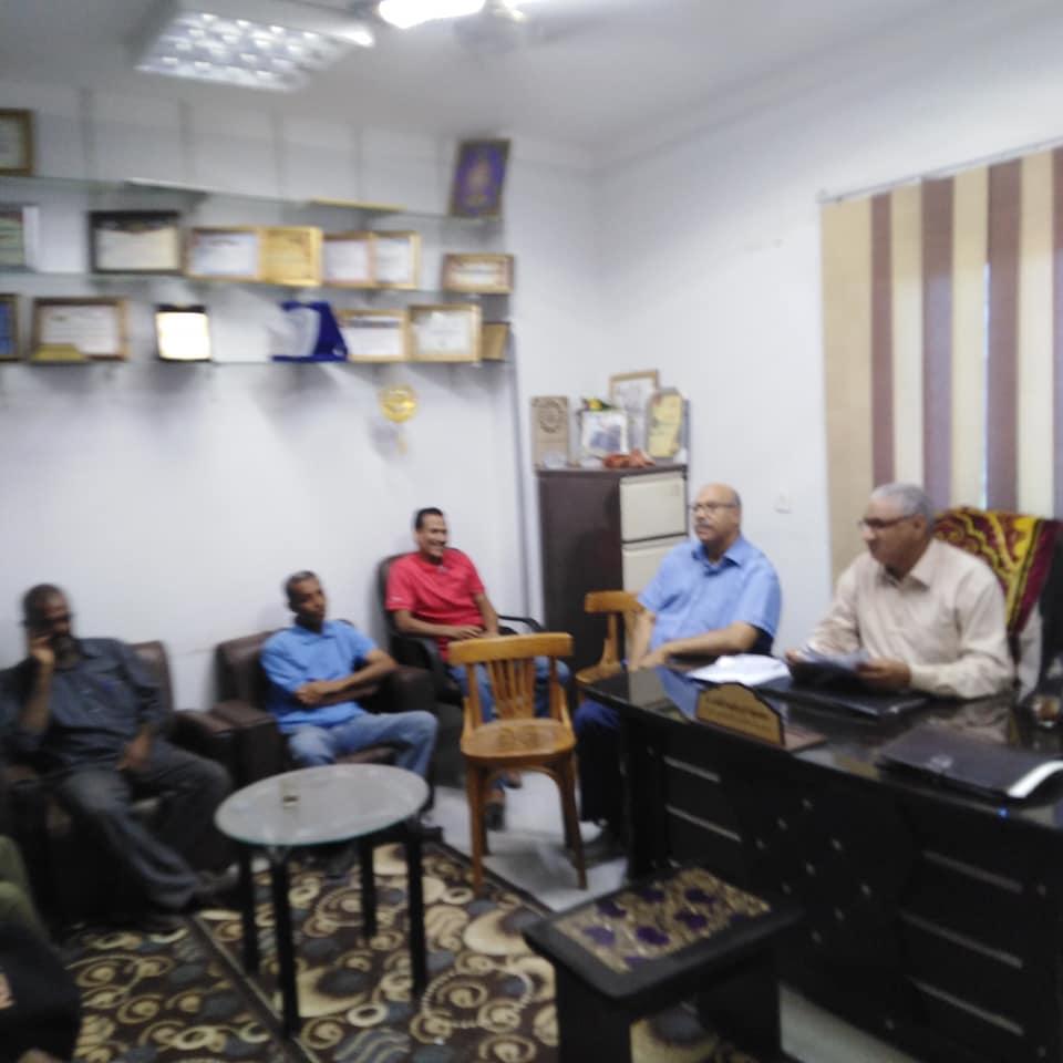 مدير تضامن إسنا يعقد إجتماع برؤساء الوحدات لشرح تعليمات تسليم الفيزات  (3)