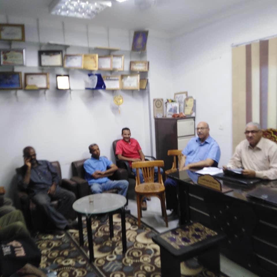 مدير تضامن إسنا يعقد إجتماع برؤساء الوحدات لشرح تعليمات تسليم الفيزات  (2)