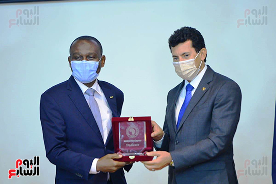 تكريم الدول الافريقية بالمركز الاولمبى (112)