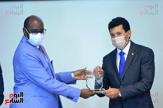 تكريم الدول الافريقية بالمركز الاولمبى (124)