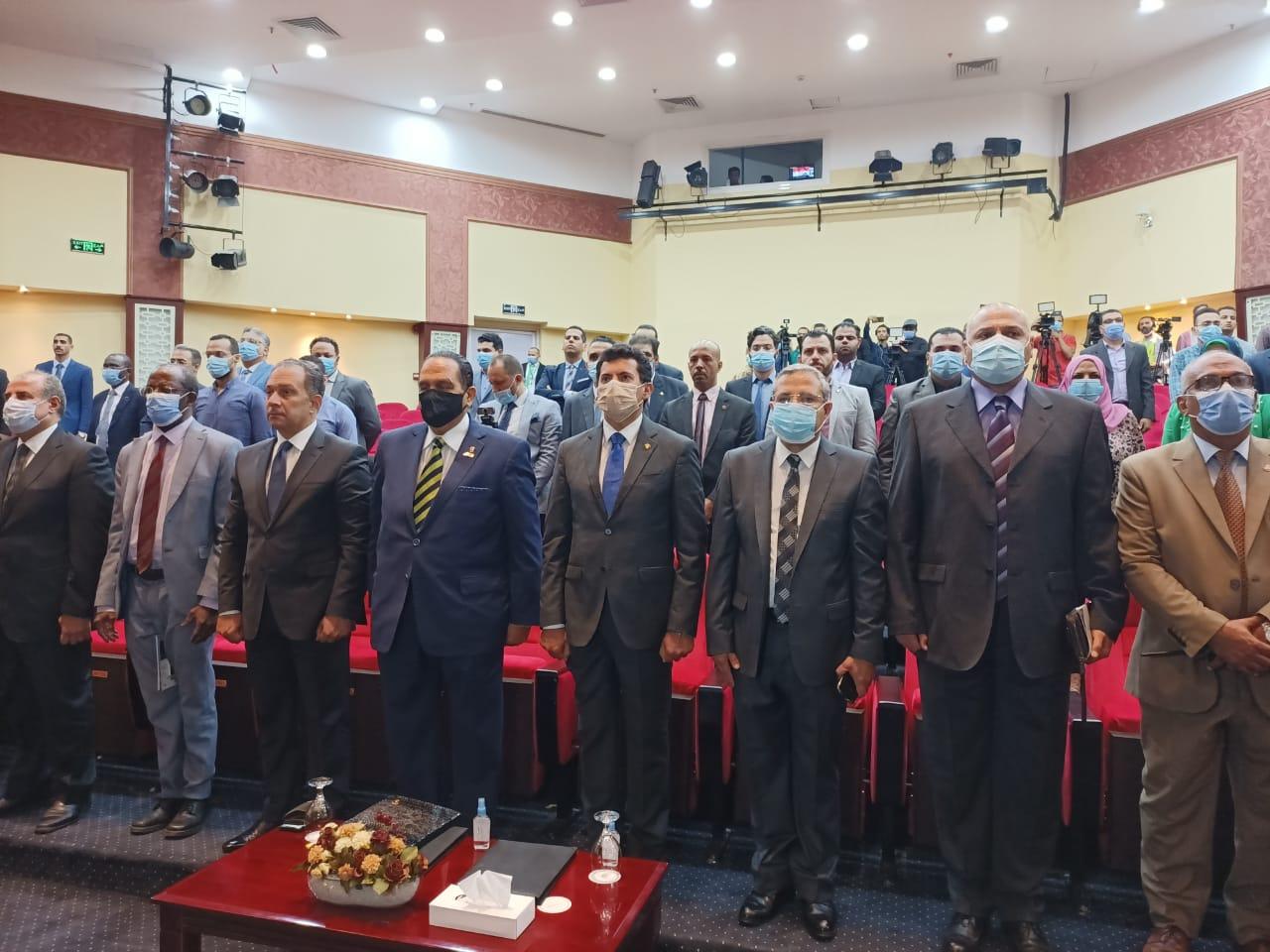 وزير الرياضة واحمد ناصر