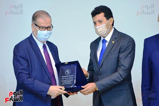 تكريم الدول الافريقية بالمركز الاولمبى (103)