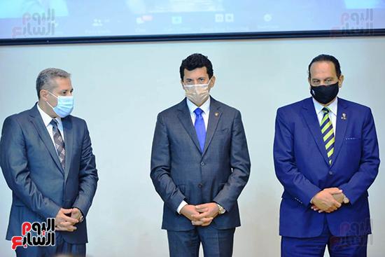 تكريم الدول الافريقية بالمركز الاولمبى (130)