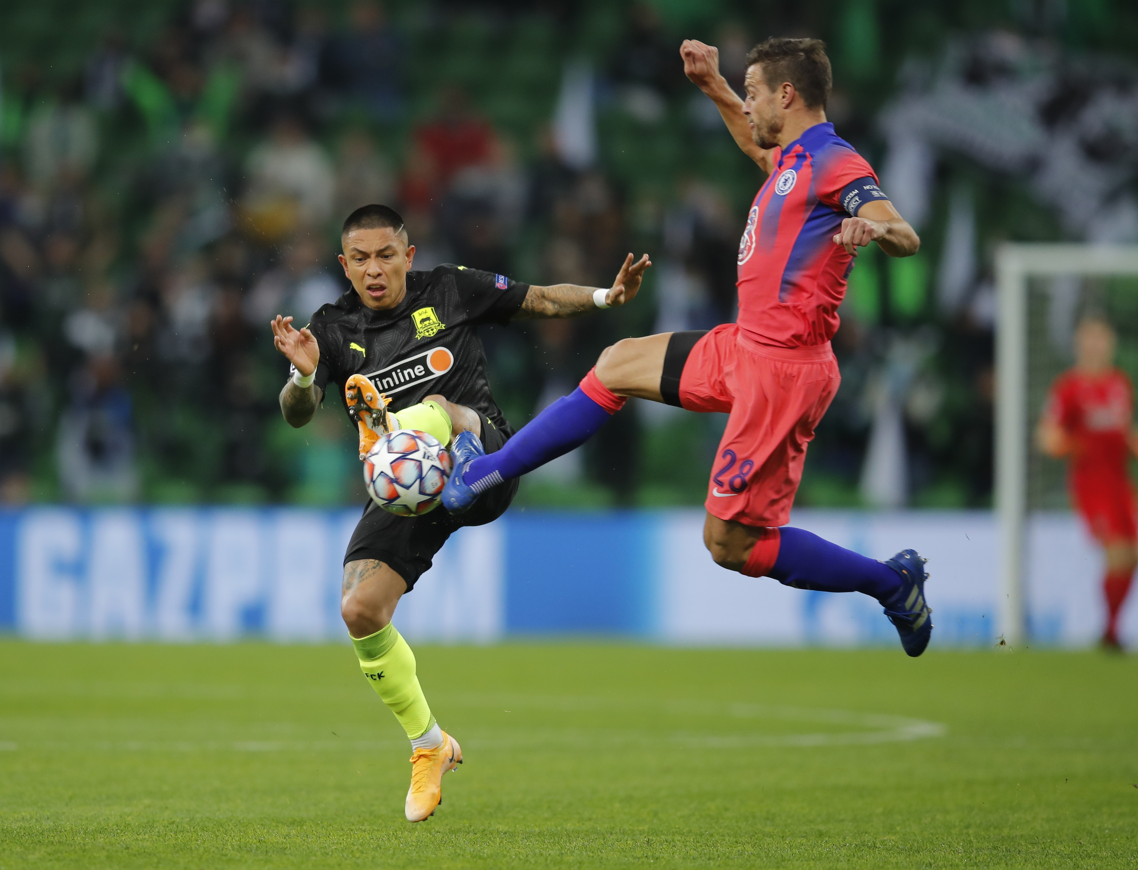 صراع قوى على الكرة