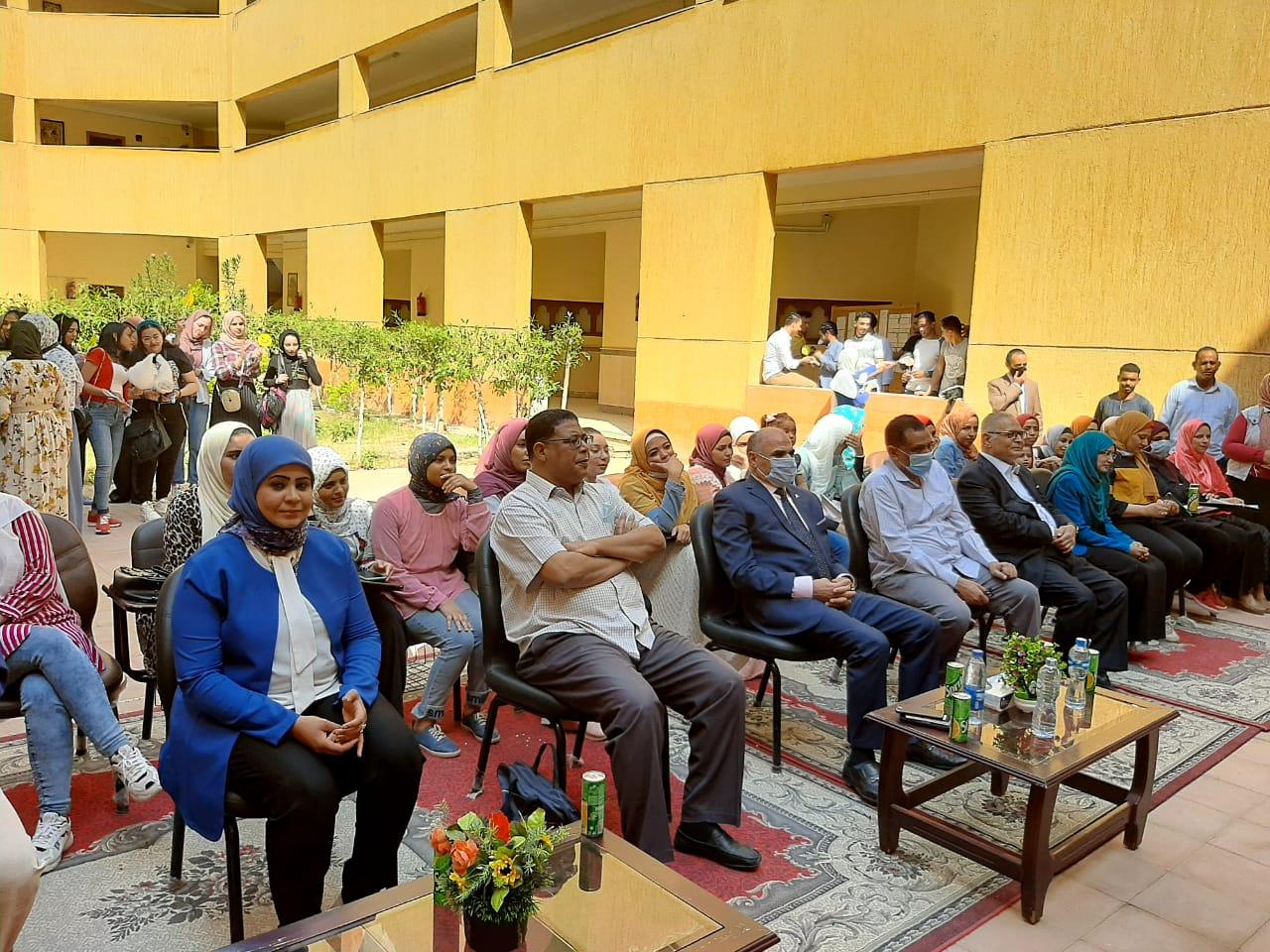رئيس جامعة الأقصر يشهد حفل إستقبال الطلاب الجدد بكلية الآثار (3)