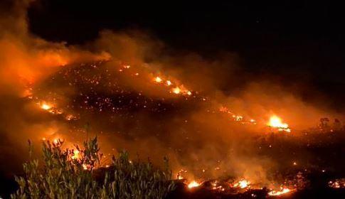 حريق هائل في أبها السعودية