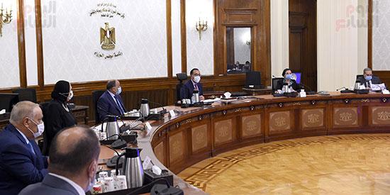 اجتماع بشان استراتيجية صناعة السيارات (2)