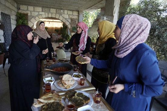 طعام ريفى طازج تقدمه صباح لأصدقائها