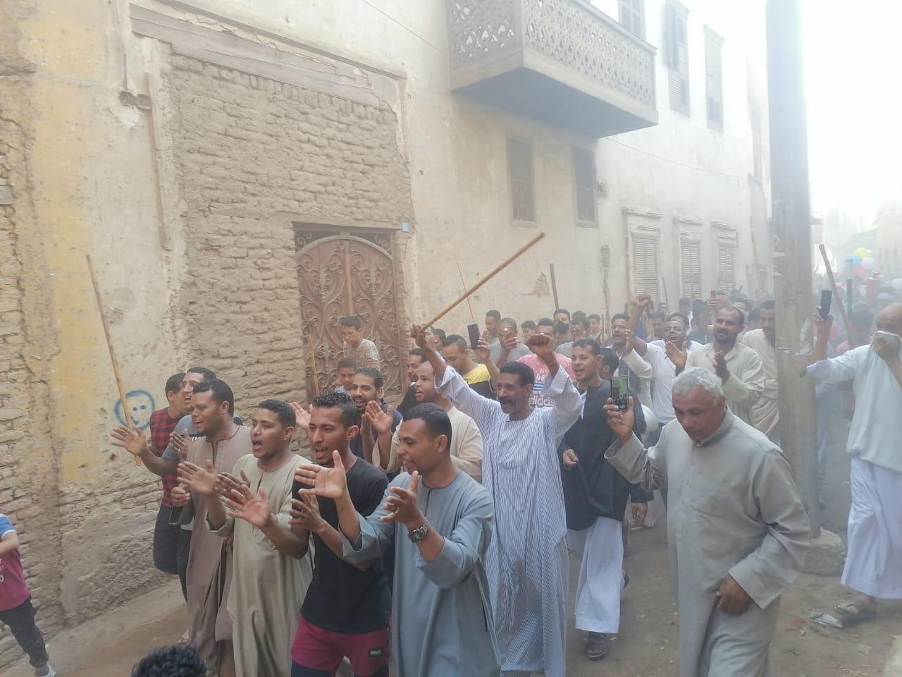 المئات من المسلمين والأقباط يحتفلون بالمولد النبوى (7)