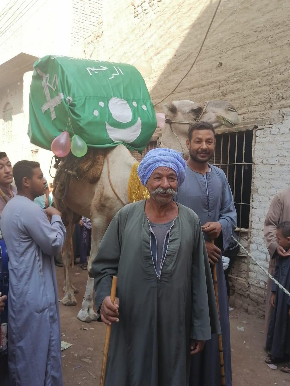 المئات من المسلمين والأقباط يحتفلون بالمولد النبوى (2)