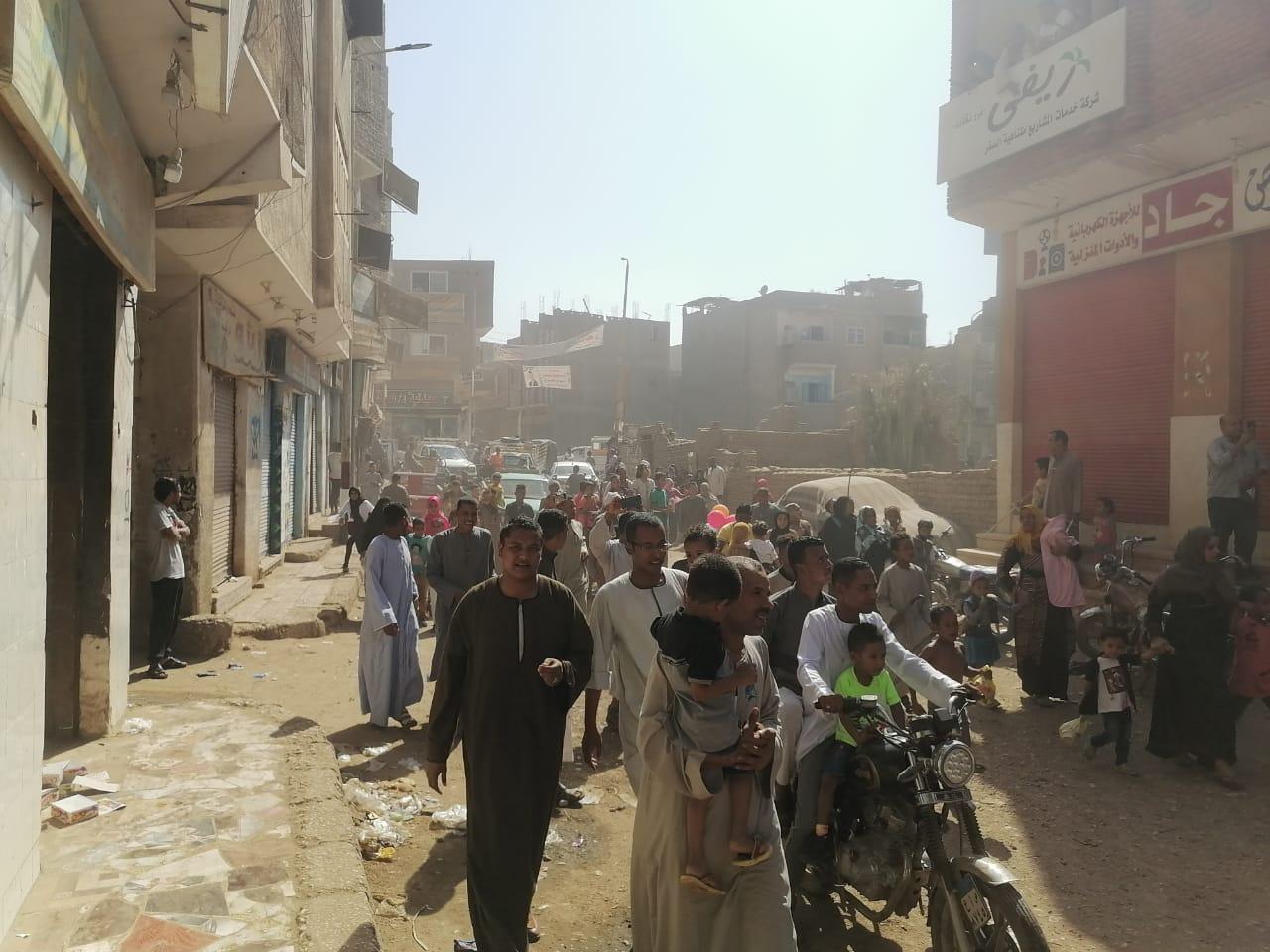 المئات من المسلمين والأقباط يحتفلون بالمولد النبوى (6)