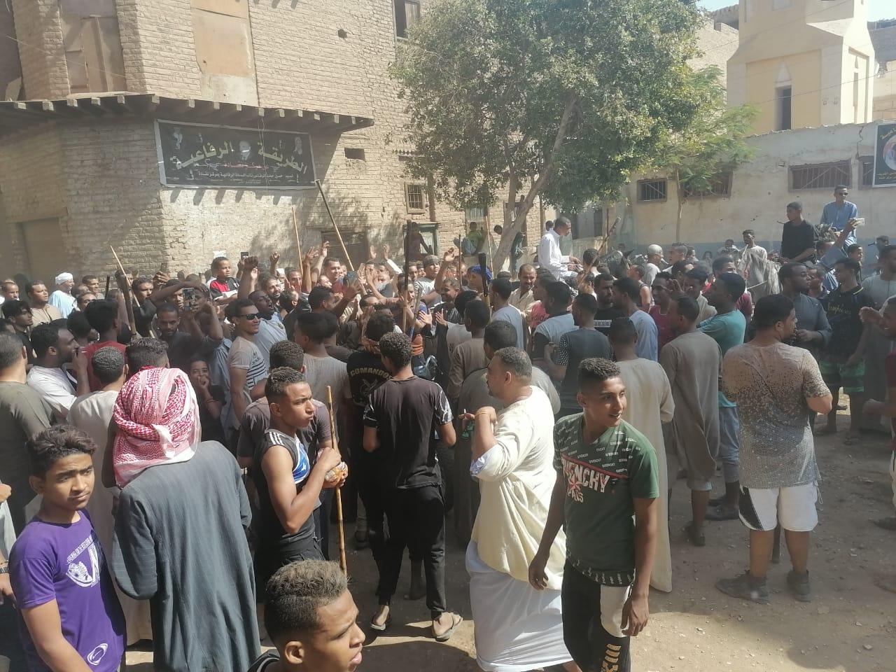 المئات من المسلمين والأقباط يحتفلون بالمولد النبوى (8)