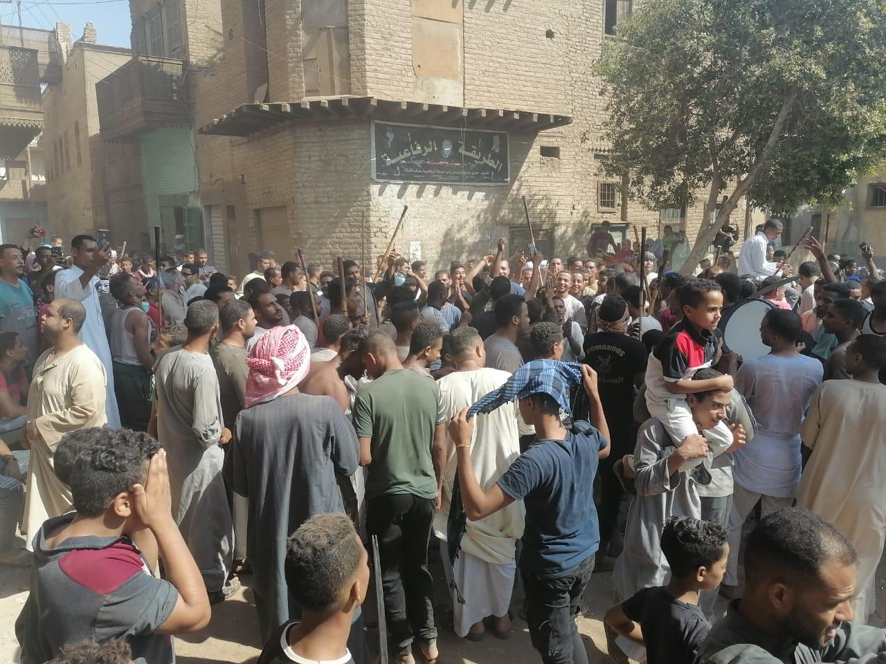 المئات من المسلمين والأقباط يحتفلون بالمولد النبوى (9)