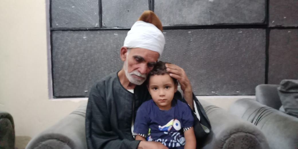 مروان شقيق رضيع طوخ المتوفى مع جده لأمه  3