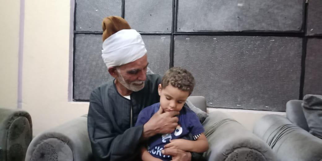 مروان شقيق رضيع طوخ المتوفى مع جده لأمه  5