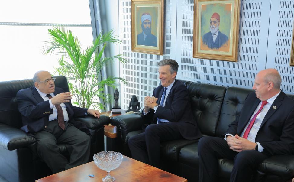 سفير بطانيا يزور مكتبة الاسكندرية (4)