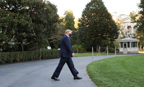 الرئيس ترامب يغادر البيت الأبيض إلى الحجر الصحى