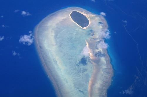 42576-جزيرة-صغيرة-في-الحاجز-المرجاني