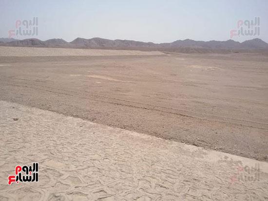 مشاريع مجابهة السيول بالبحر الأحمر (10)