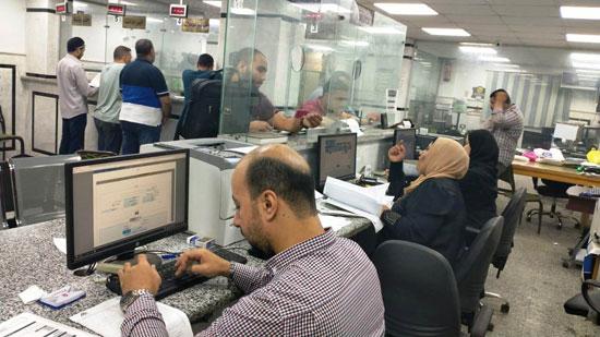 تزايد إقبال المواطنين على المراكز التكنولوجية (1)