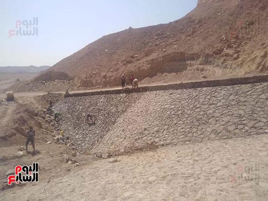 مشاريع مجابهة السيول بالبحر الأحمر (4)