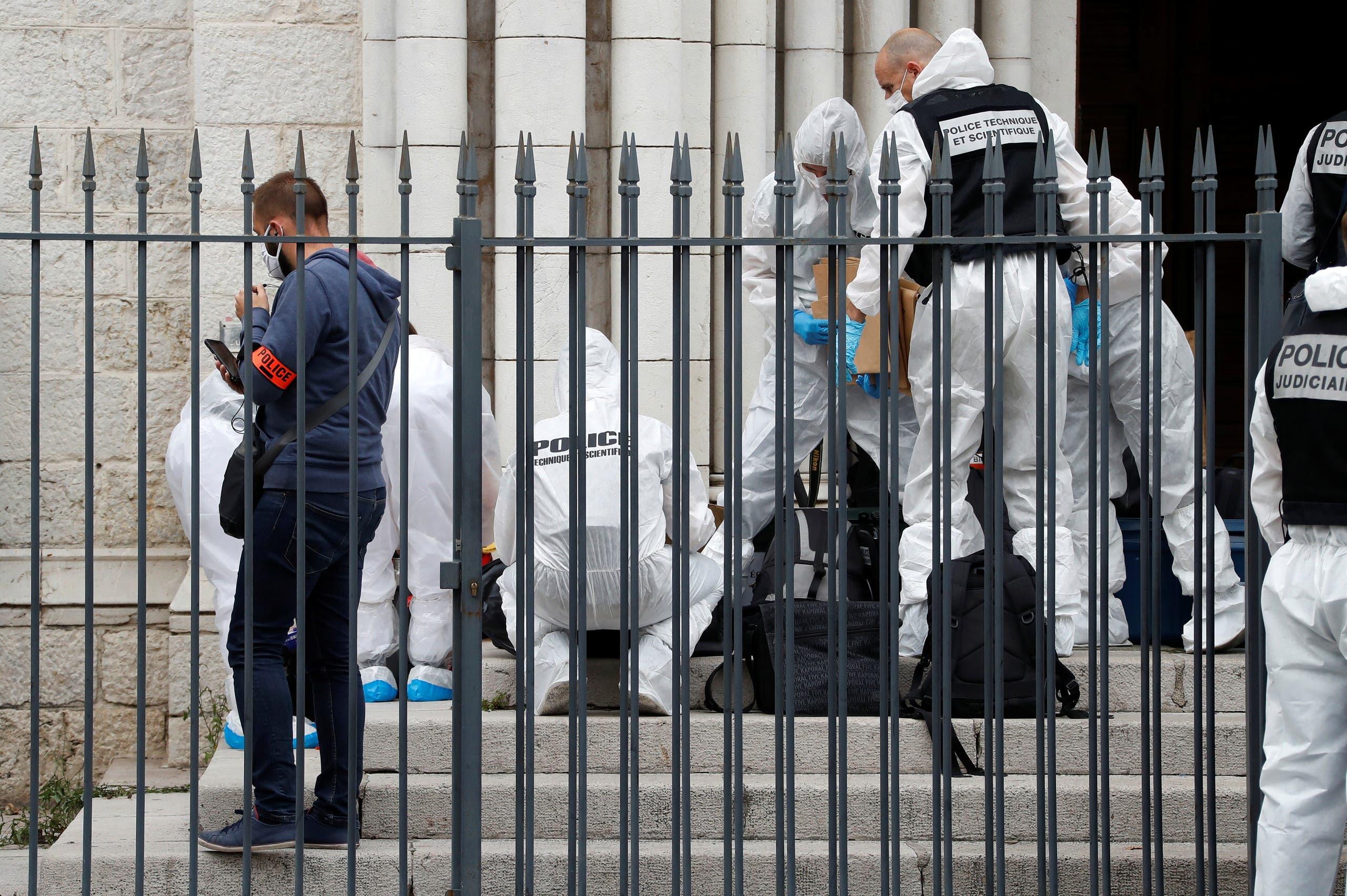 الطب الشرعى فى موقع حادث نيس الإرهابى