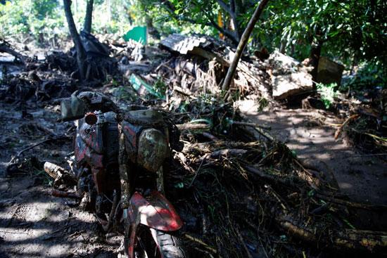 انهيار السلفادور (4)
