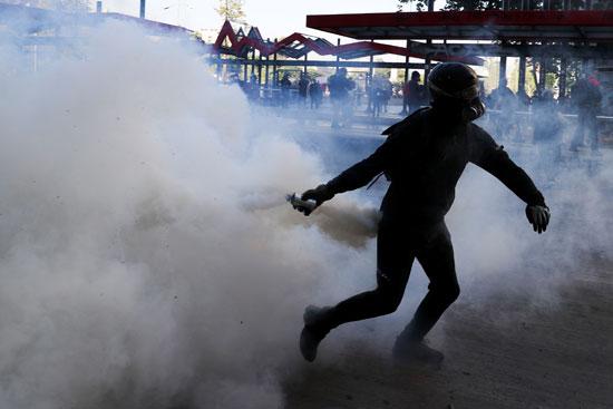 أعمال عنف وشغب مع الأمن فى تشيلى (3)