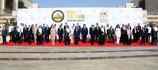 الرئيس السيسي يتفقد جامعة الملك سلمان (17)