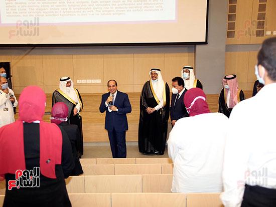 الرئيس السيسي يتفقد جامعة الملك سلمان (26)