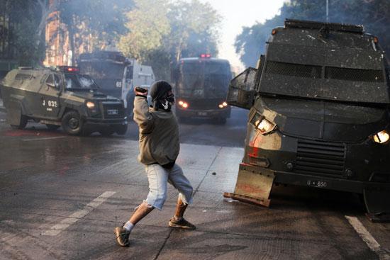أعمال عنف وشغب مع الأمن فى تشيلى (4)