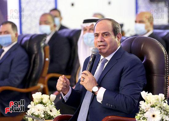 الرئيس السيسي يتفقد جامعة الملك سلمان (5)