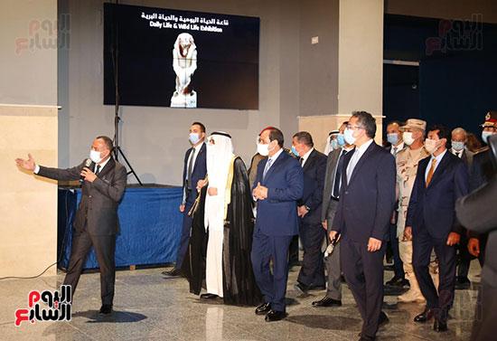 الرئيس السيسي يتفقد جامعة الملك سلمان (2)