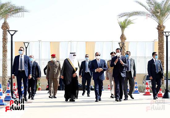 الرئيس السيسي يتفقد جامعة الملك سلمان (12)