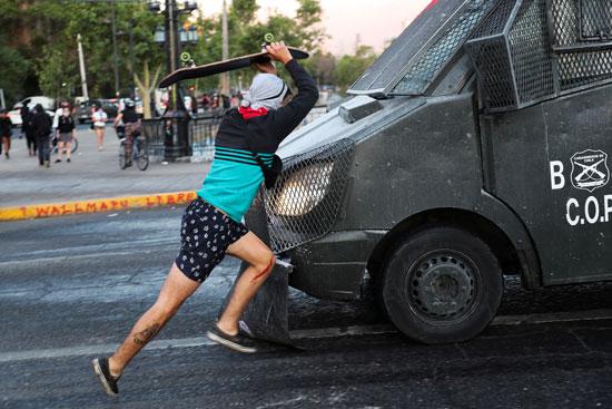 أعمال عنف وشغب مع الأمن فى تشيلى (5)