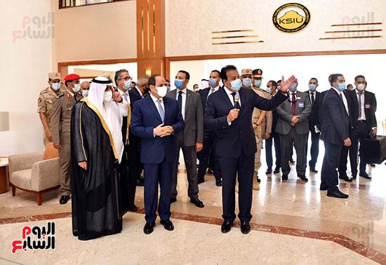الرئيس السيسي يتفقد جامعة الملك سلمان (24)