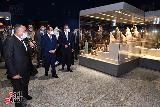 الرئيس السيسي يتفقد جامعة الملك سلمان (1)
