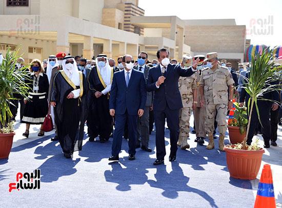 الرئيس السيسي يتفقد جامعة الملك سلمان (23)