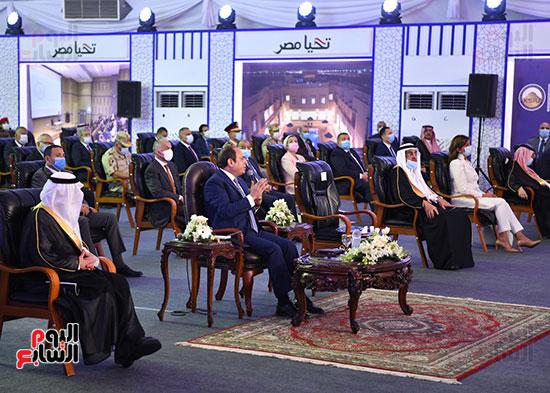 الرئيس السيسي يتفقد جامعة الملك سلمان (9)
